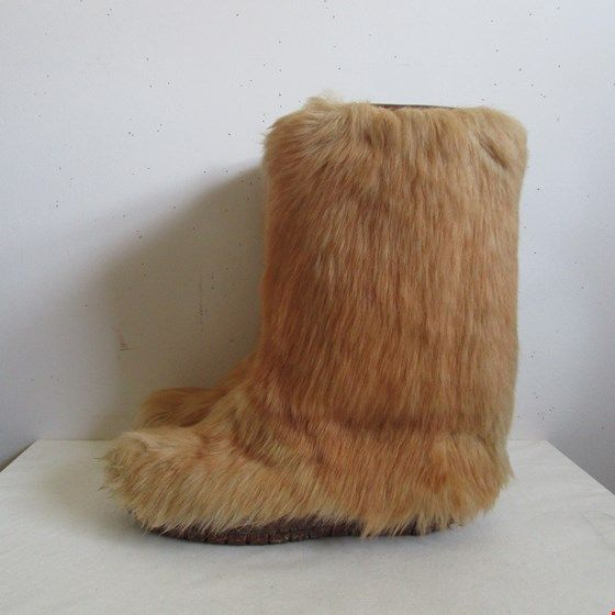 Vintage 80s Mukluks Boots Fawn Brown Fake Fur Apres Ski Boho Chic 1980s Winter Boots 10