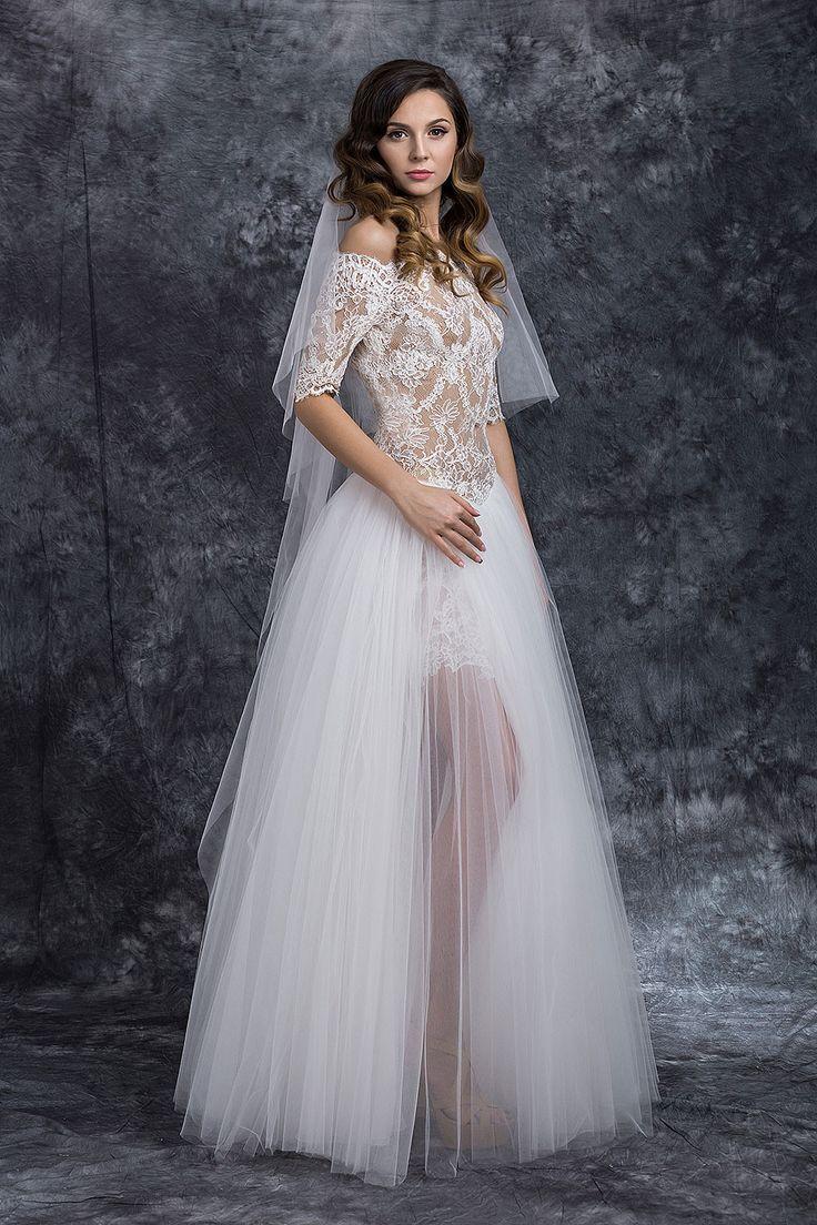 ❤ rochia de mireasa Izabela ❤ Detaliile glam si designul fabulos vor scoate din anonimat orice mireasa. Rochiile de mireasa Izabela, avand un croi special ce se pliaza perfect pe curbele corpului, te vor transforma intr-o adevarata vedeta #rochie #mireasa #nunta #weddingdress #bridetobe #bride #gown #white #rochiedemireasa #rochiemireasa #rochiedemireasa Casa Vogue Mariage