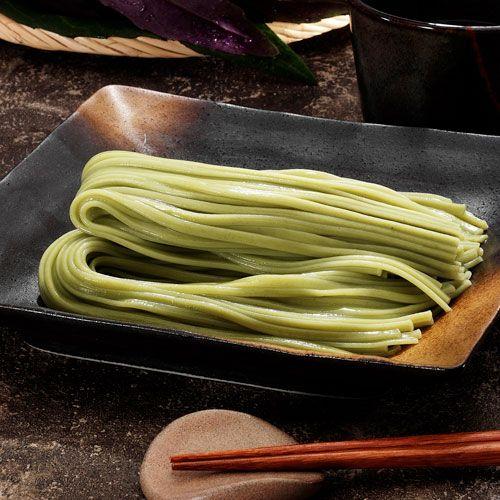 金時草手延べうどん:下中商店 : 健康野菜で知られる加賀野菜・金時草の粉末を練り込み、手延べ製法で丹念に打ち上げました。