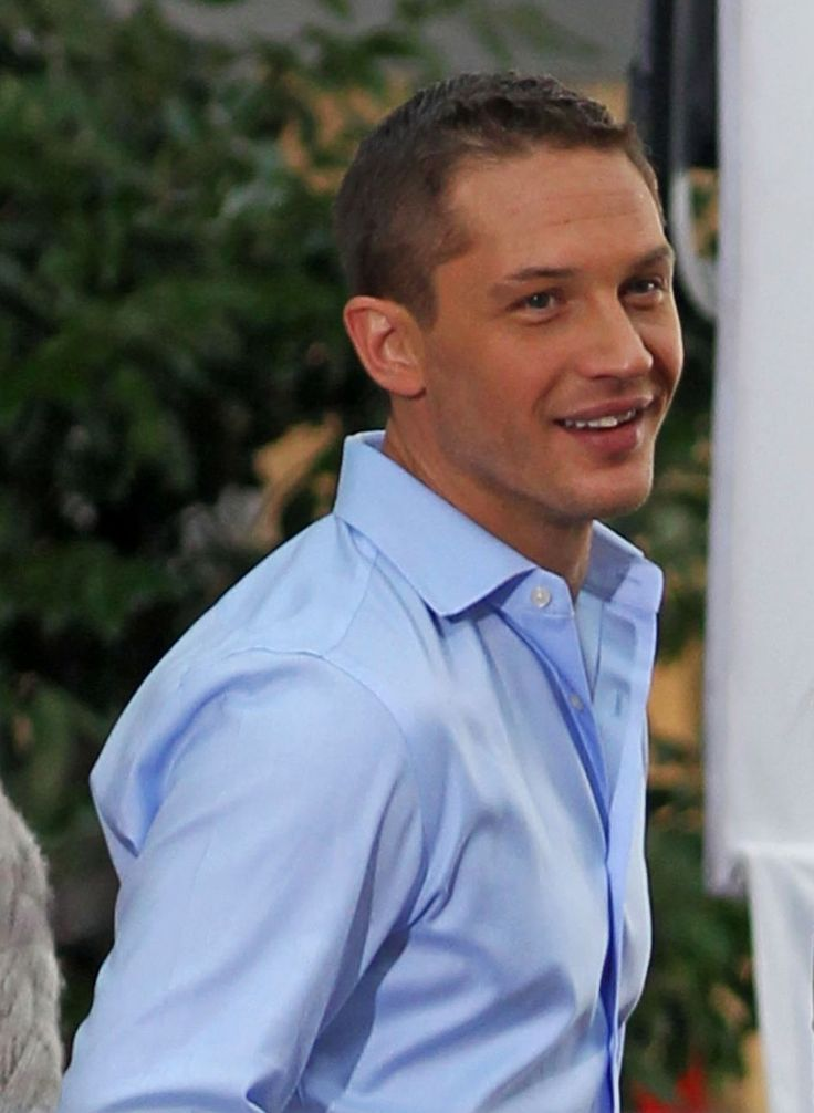 Tom Hardy is perfect. (Please never get those teeth straightened....PLEASE!)