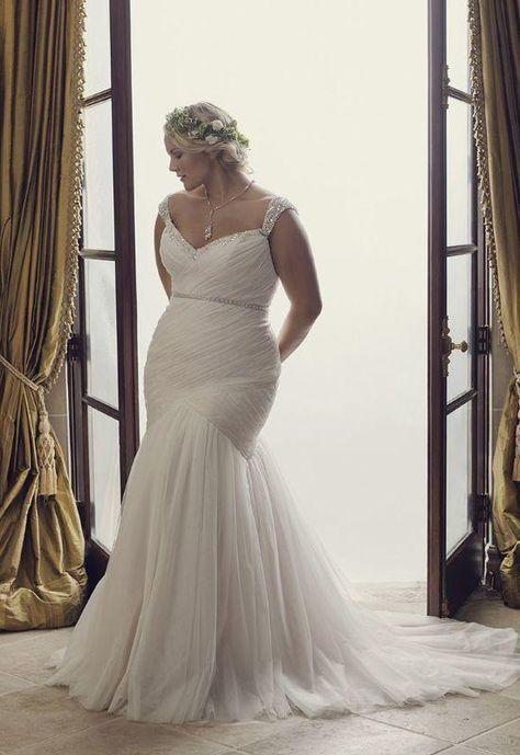 99c7cd5cba8 White Tulle Mermaid Wedding Dress 2018 in 2019