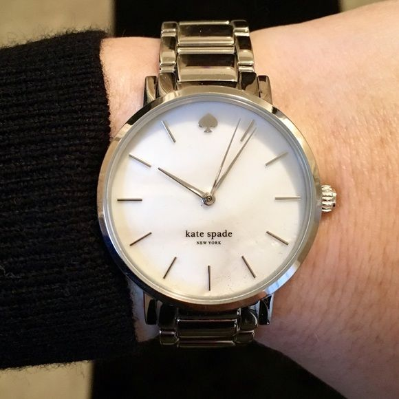 Kate spade gramercy watch - silver Kate spade silver metal watch. It's only been worn a couple of times so it's in great condition with no scratches. Only selling because I have another watch I wear more often. Selling discounted because I don't have the box anymore. I will include the extra links as well. kate spade Accessories Watches