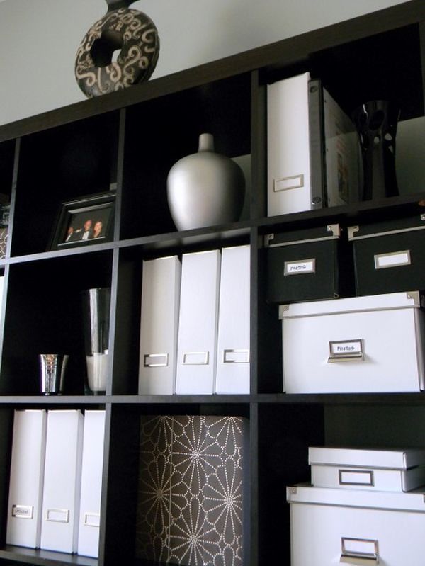 Decorating a black and white office: ideas and inspiration.