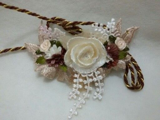 Flowers necklace... Line belviore flower