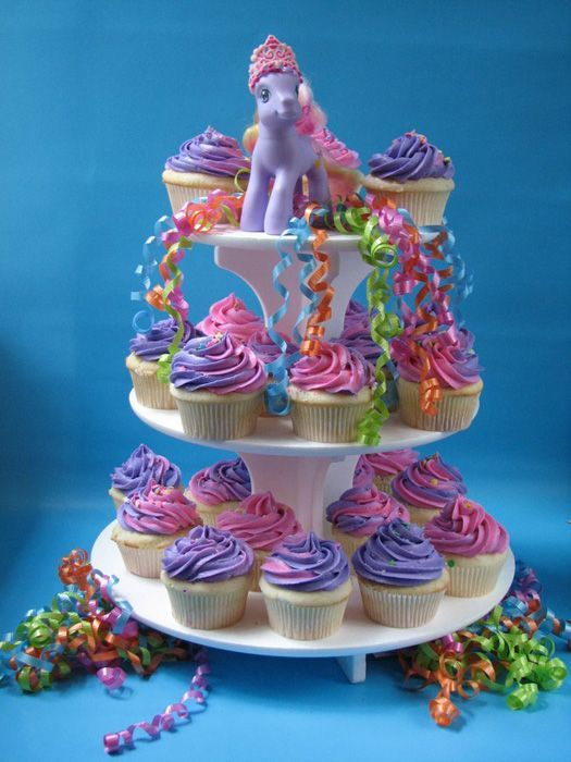 simple two tone pony style pony cupcakes on stand