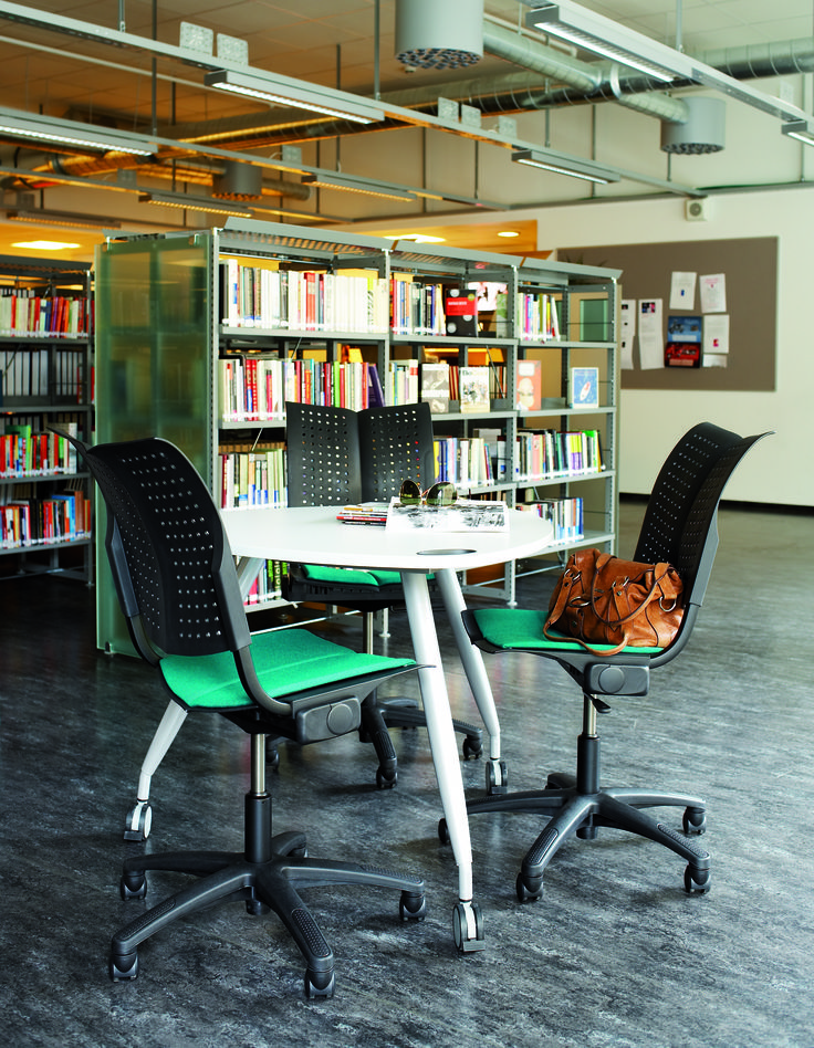 Library spaces in company of the HÅG Conventio Wing! #InspireGreatWork #design #Scandinavian