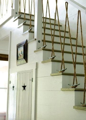Nautical themed chair rail. Gotta love the simplicity of design and the cost of matierials. What a great DIY project for a beach house.