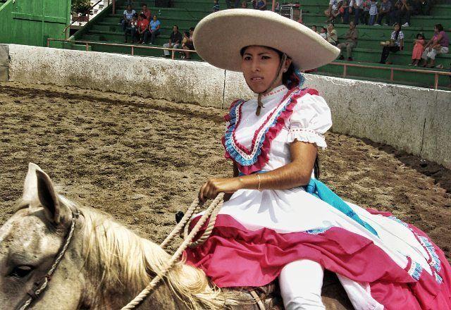 Instagram media by mundo_zoom - DETERMINACION🍂 Modelo: Yadira Cáliz . . . . . . . #mexico🇲🇽 #tabasco #photography #photos #shooting #igers #igersmexico #live #momentopic #explosion #place #expectation #caor #charreria #lienzo #caballo #escaramusa