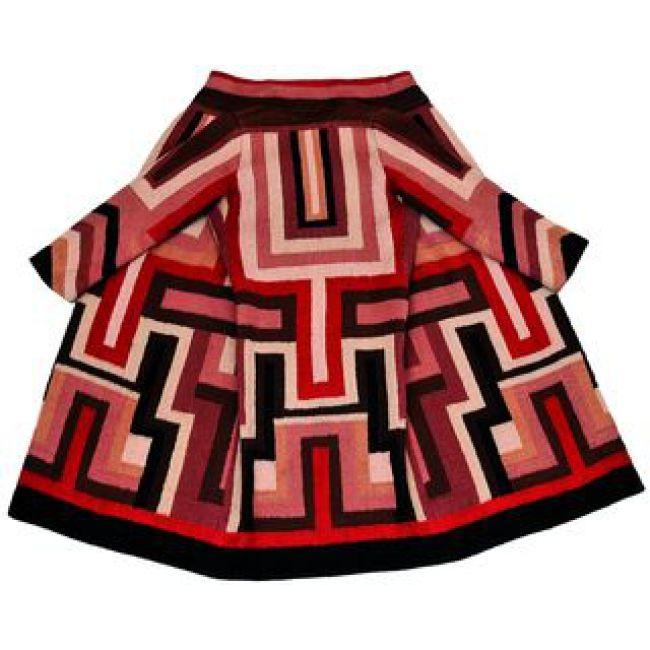Sonia Delaunay. Manteau pour Gloria Swanson c. 1924 Broderie de laine Collection particulière