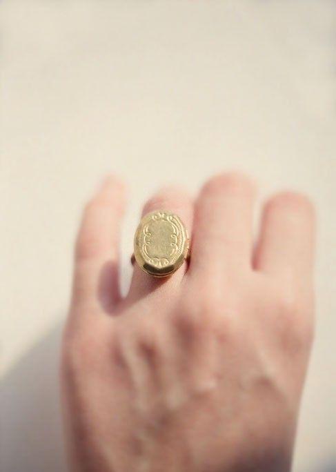 locket ring