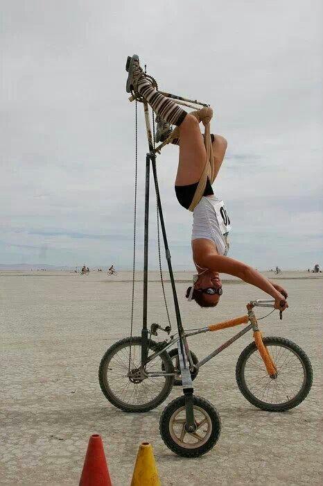 https://i.pinimg.com/736x/cf/6d/bf/cf6dbfea604d65eedcfc48848bf15e4c--girls-on-bicycles-riding-bikes.jpg