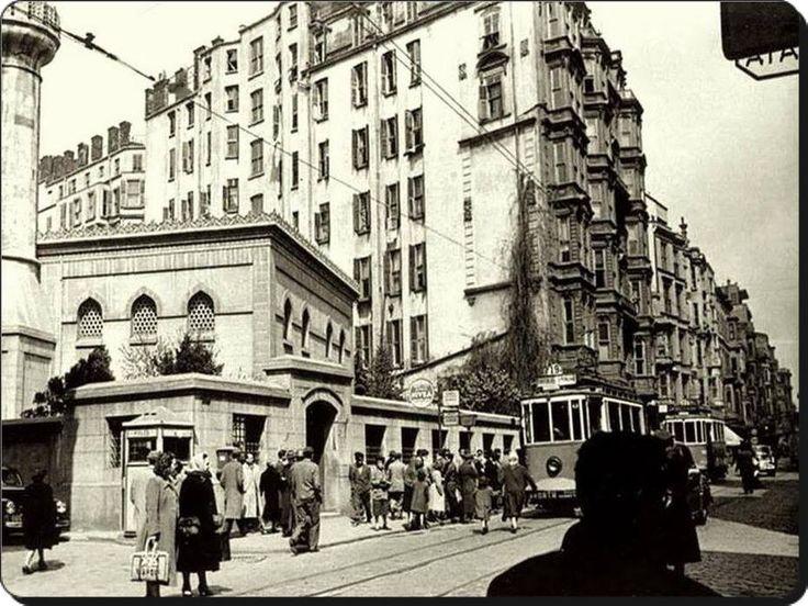 Beyoğlu / Hüseyin Ağa Camii - 1950'ler