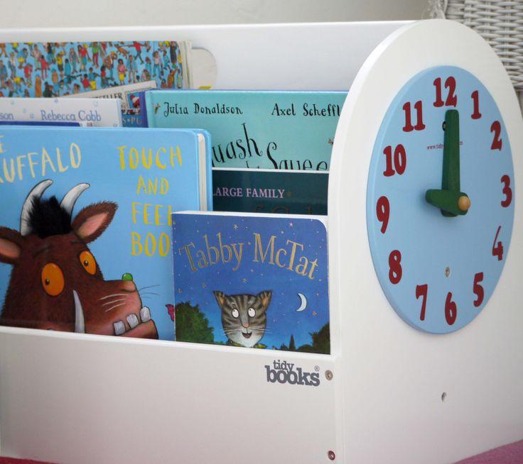Il Book Box di Tidy Books - Contenitore in legno per  #libri con l'orologio giocattolo -  disponibile in bianco, blu e naturale sul sito di Tidy Books http://www.tidy-books.it/camerette-scaffali-mensole-contenitori/contenitori-libri-bambini  #design #libriperbambini