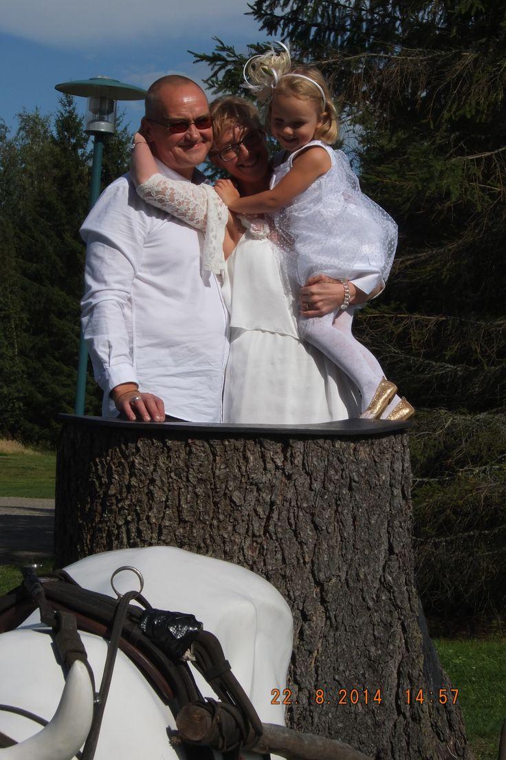 Нелли, Нату и Тили. Свадьба дочки.