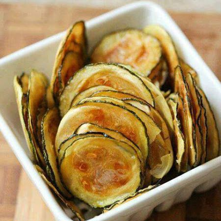 Zucchini Oven Chips (low carb)