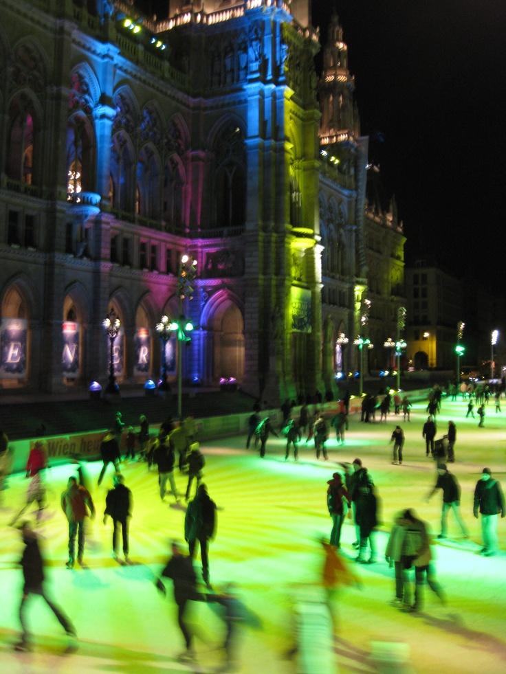 Patinaje sobre hielo en el ayuntamiento de Viena
