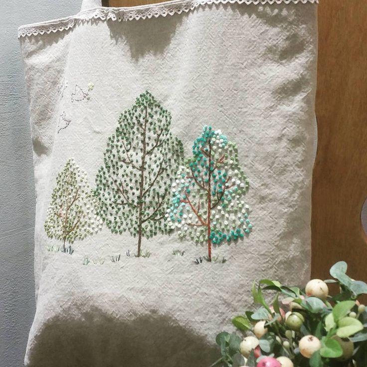 #에코백 #프랑스자수 #송도신도시 #자수수업 #소품판매 #고급반 #스티치북 #선물 #린넨원단 #나무 #embroidery #hadecrafted #stitch #decoration #gift #ecobag