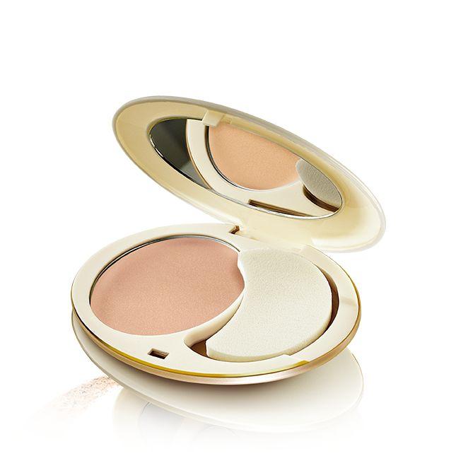 Maquillaje Compacto Antienvejecimiento Giordani Gold #Oriflame Maquillaje cremoso de textura ligera que unifica el tono de la piel e ilumina la complexión de la piel. Formulado con Tecnología BeautAge y exclusivos pigmentos reflectantes que potencian la luminosidad y la naturalidad de la piel y minimizan la apariencia de finas líneas proporcionando un acabado sedoso. Se extiende fácilmente.