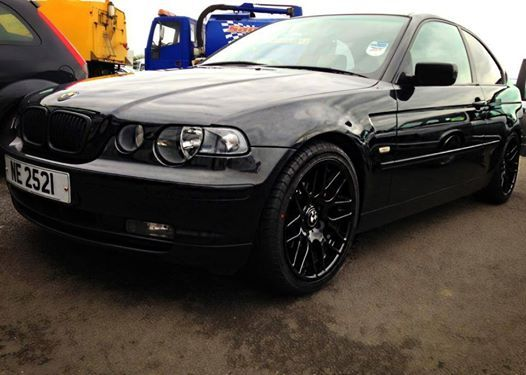 BMW E46 3 series all black compact