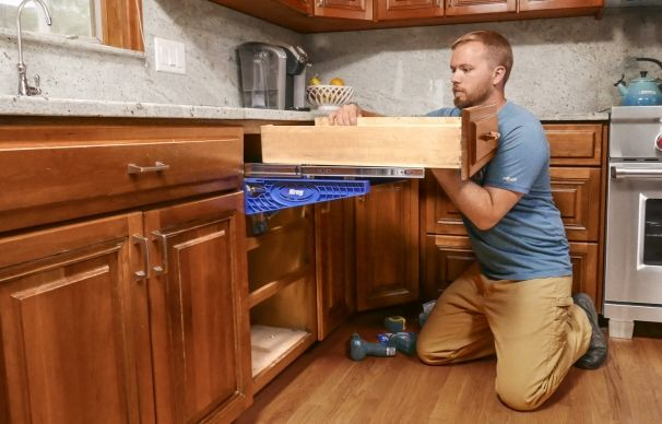 Nathan Gilbert Instructs A Homeowner On The Way To Replace Drawer Slides Without Removing The Countertop Drawer Slides Kitchen Cabinets Hinges Drawers