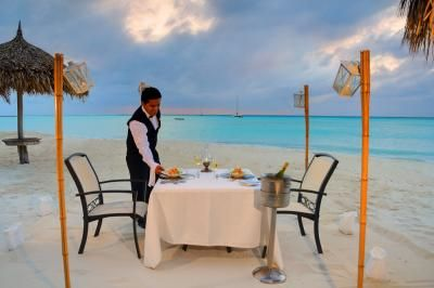 All-inclusive honeymoon packages under $2,000: Occidental Grand Aruba