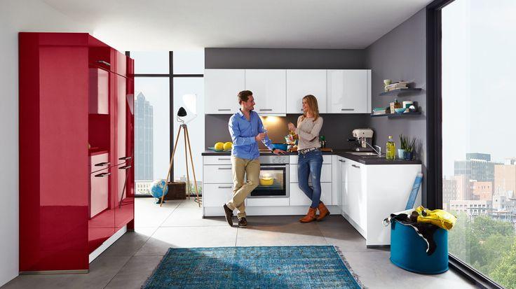 Wohnlichkeit pur strahlt diese culineo küche mit überwältigenden stauraum möglichkeiten und frei zugänglicher arbeitsfläche im l form aus