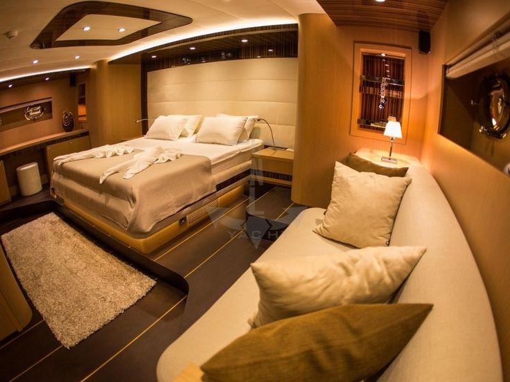 LE PIETRE | CNL Yacht
