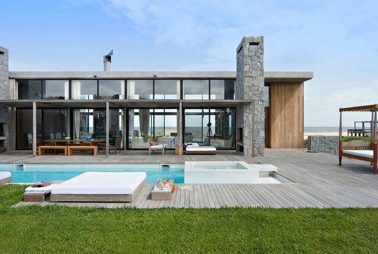 The beach house La Boyita Residence by Martin Gomez Arquitectos, Uruguay http://bestdesignideas.com/the-beach-house-la-boyita-residence-by-martin-gomez-arguitectos-uruguay