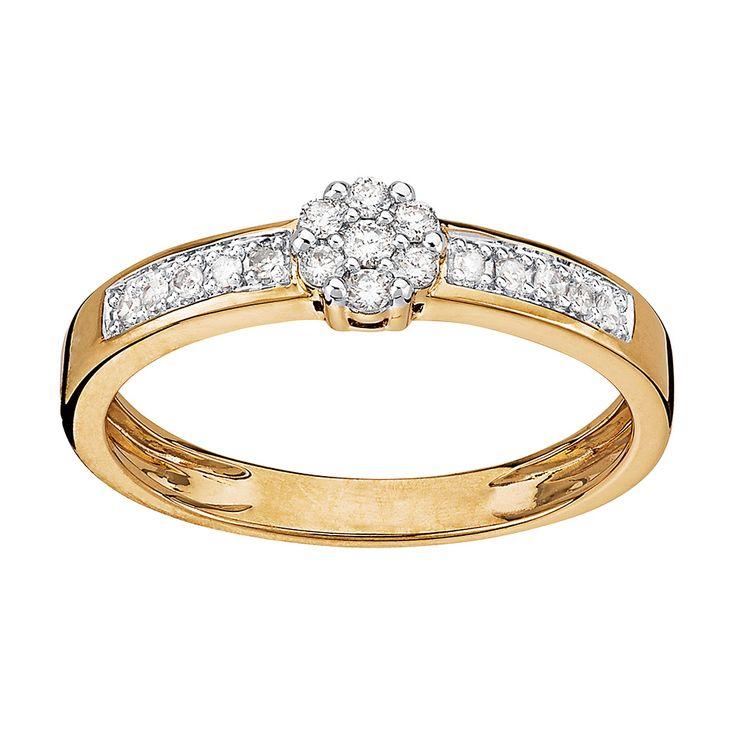 Ring i 18K guld med 17 diamanter 0,15 ct