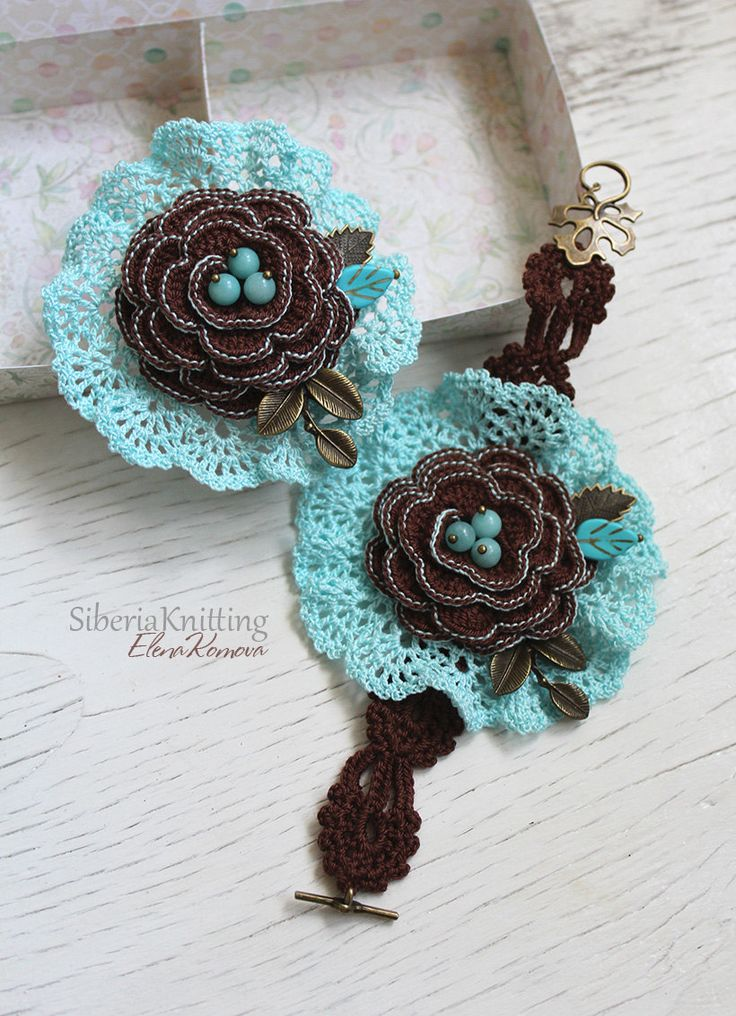 Set of two - Brooch and braselet with skyblue amazonite, cotton. Boho brooch…