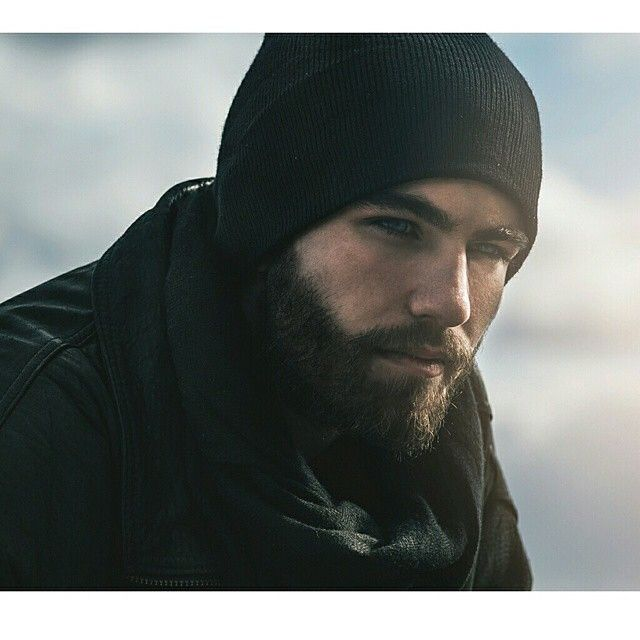 This man.....eyes, beard. Swoon