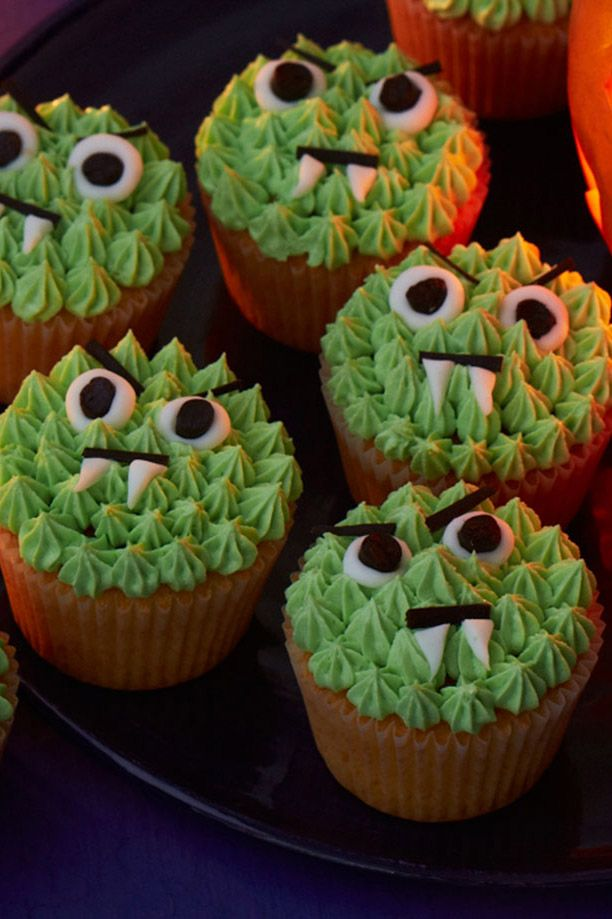 Halloween Cake Decorations Tesco : 1000+ ideas about Monster Cakes on Pinterest Monster ...
