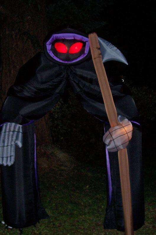 9' Gemmy Airblown Inflatable Halloween Grim Reaper ...
