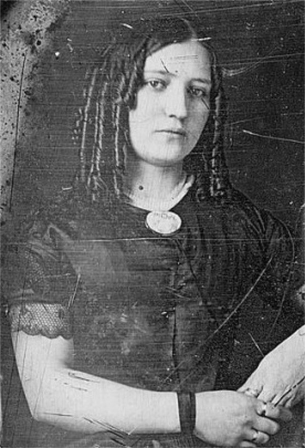 *MARY ANN HOLMES~1840s: (John Wilkes Booth's mother). The Booth family was an English -American theatrical family of the 19th century.Its most famous+ well known members were Edwin Booth,one of the leading actors of his day+John Wilkes Booth, who assassinated Abraham Lincoln.The patriarch,Junius Brutus Booth,a London-born lawyer's son who eventually became an actor.Booth abandoned his 1st wife+their young son in 1821+ran off to the U.S. w/Mary Ann Holmes, a London flower girl.