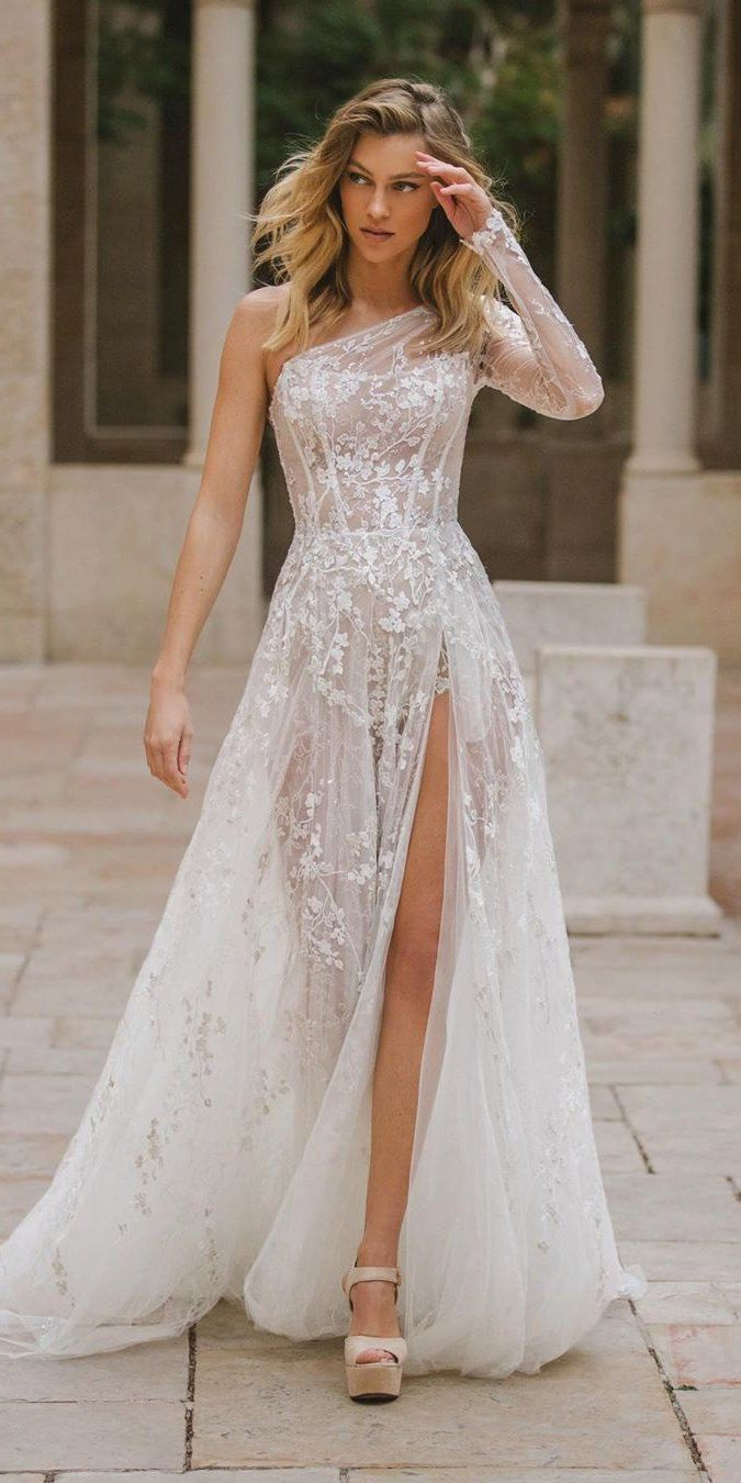 21 Gorgeous Spring Wedding Dresses Spring Wedding Dress Asymmetrical Wedding Dress Wedding Dresses [ 1350 x 675 Pixel ]