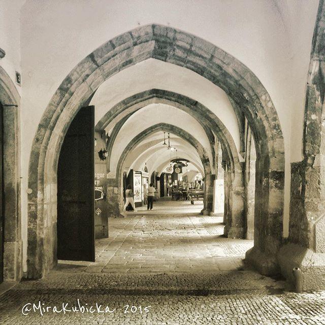 Arcade in PragueCzech Republic #arcade #praha #prague #iprague #history #heritage #havelska #gothic #house #art #architecture #outdoor #cz #czech #czechia #czechrepublic #czechdesign #česko #české #českárepublika #czechdesign #czdsgn #DiscoverCZ #display #design #2015 #street #stone #world
