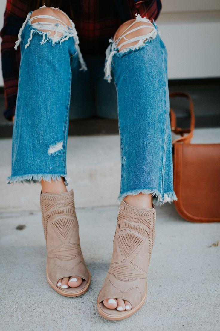 girlfriend jeans, slingback booties, blanknyc denim, blank denim, plaid shirts, sadle bag sale picks for nordstrom anniversary sale 2017, nordstrom fall new arrivals, nordstrom anniversary sale 2017 // grace wainwright @asoutherndrawl