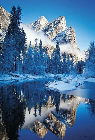 merced river ,three brothers peaks reflection -yosemite nacional park california