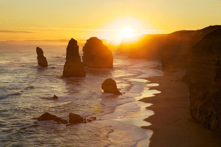 12 Apostles, Great Ocean Road, VIC. By Jen Rayner.Ocean Roads, Sunsets Sunrises, Océan Roads