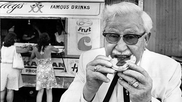 10 Ridiculous Real Stories Behind Famous Food Mascots -In 1930, Shell Oil decided to give Colonel Sanders a service station in exchange for a percentage of the station's sales, which wound up being increased exponentially when Sanders started making chicken and selling it to his customers.