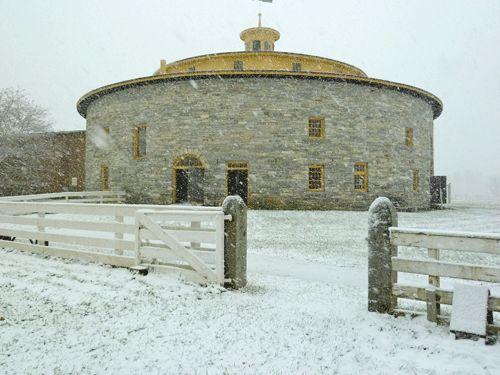 Lovely round stone barn - <3 <3