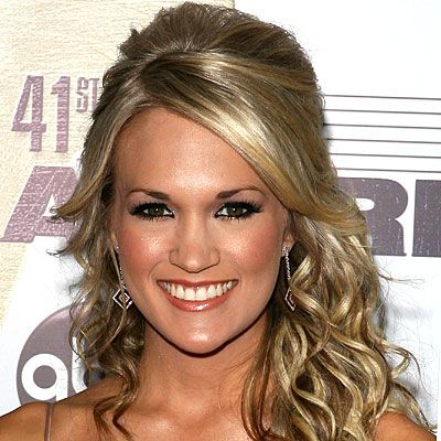 Carrie Underwood - Half-up hairstyle with cascading curls