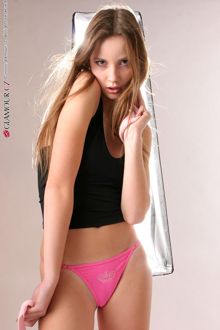Young teen glamour photos 1
