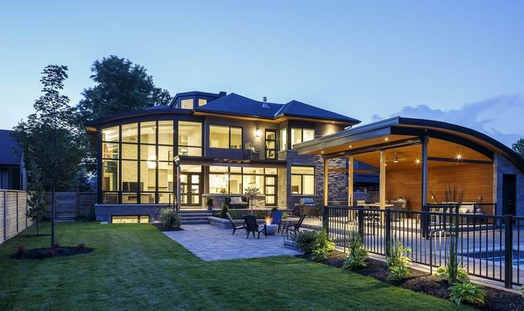RND Construction and Christopher Simmonds Architect won for this custom home.