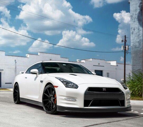 Beautiful White On Black GTR