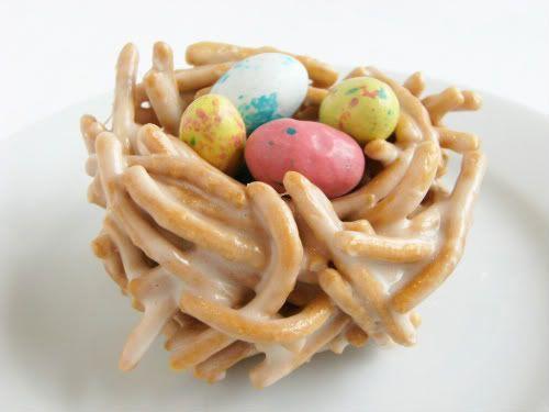 Bird's nest cookies: Nests Cookies, Nests Easter, Birds Nests, Cookies East, Bird Nests, Easter Nests, Easter Baskets, Easter Treats, Easter Birds