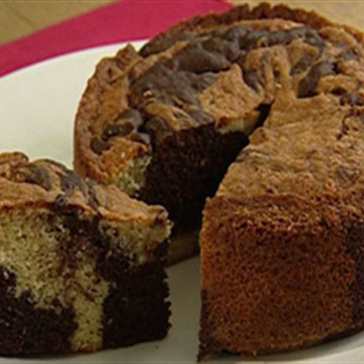 Try this Chocolate and Vanilla Marble Cake recipe by Chef Rachel Allen. This recipe is from the show Rachel Allen Bake!.