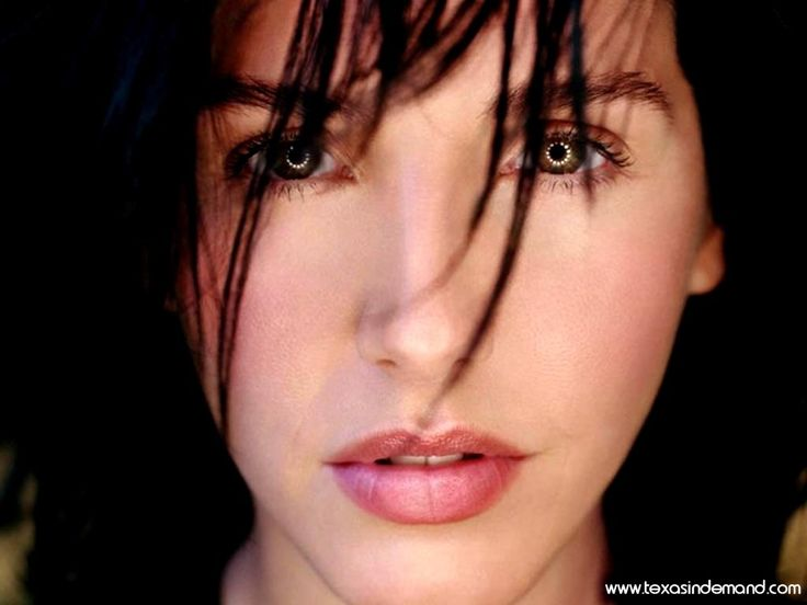 """Sharleen Spiteri of """"Texas,"""" one of the best pop groups you've most likely never heard of if you're American. But i'm super-erudite and shit, so i've loved them for YEARS.  I had three of their albums before they even formed the band."""