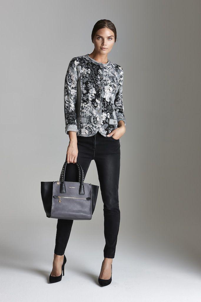 Regali di Natale! E se fosse una bella borsa a dare un tocco di novità al guardaroba? http://blog.carlaferroni.it/?p=3058