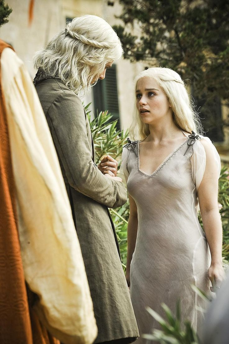 Emilia Clarke - Saison 1 - Game of Thrones - © Warner Home Vidéo